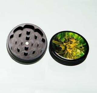 Grinder Cannabis-Bud